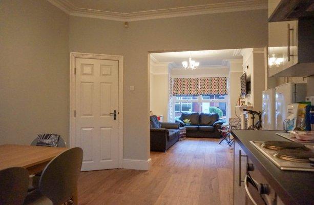 Headingley Avenue, Leeds - Open plan lounge diner