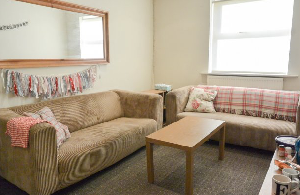 Lounge - Headingley Park - Hyde Park - Leeds